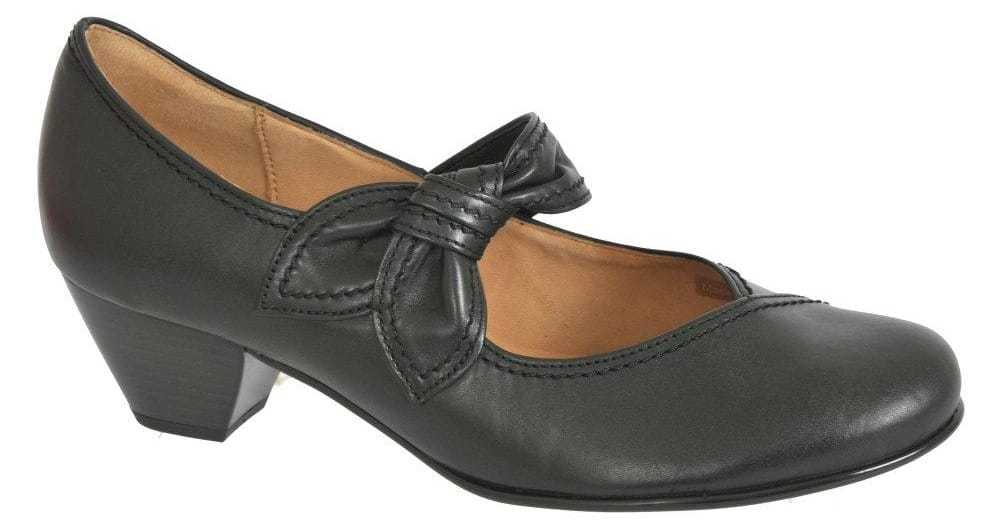 1511eb4187108 Get some flapper fun in these Gabor Henrietta knotted strap court shoes.