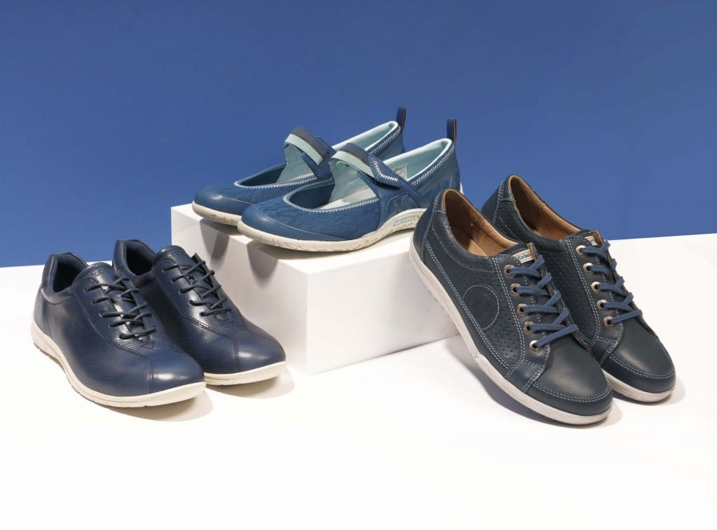 womens-blue-shoes-sporty