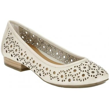 Clarks Henderson Band Nude Ladies Pumps