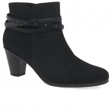 Solero Womens Nubuck Ankle Boots