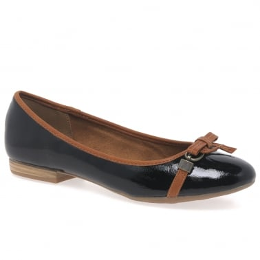 Dignity II Womens Casual Shoes
