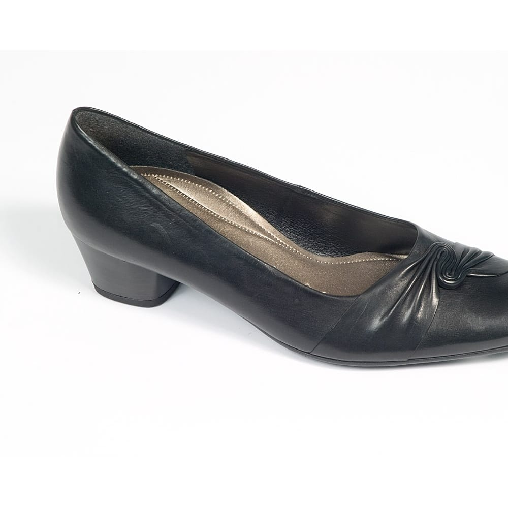 gabor sensation 86 182 wide fit court gabor from charles