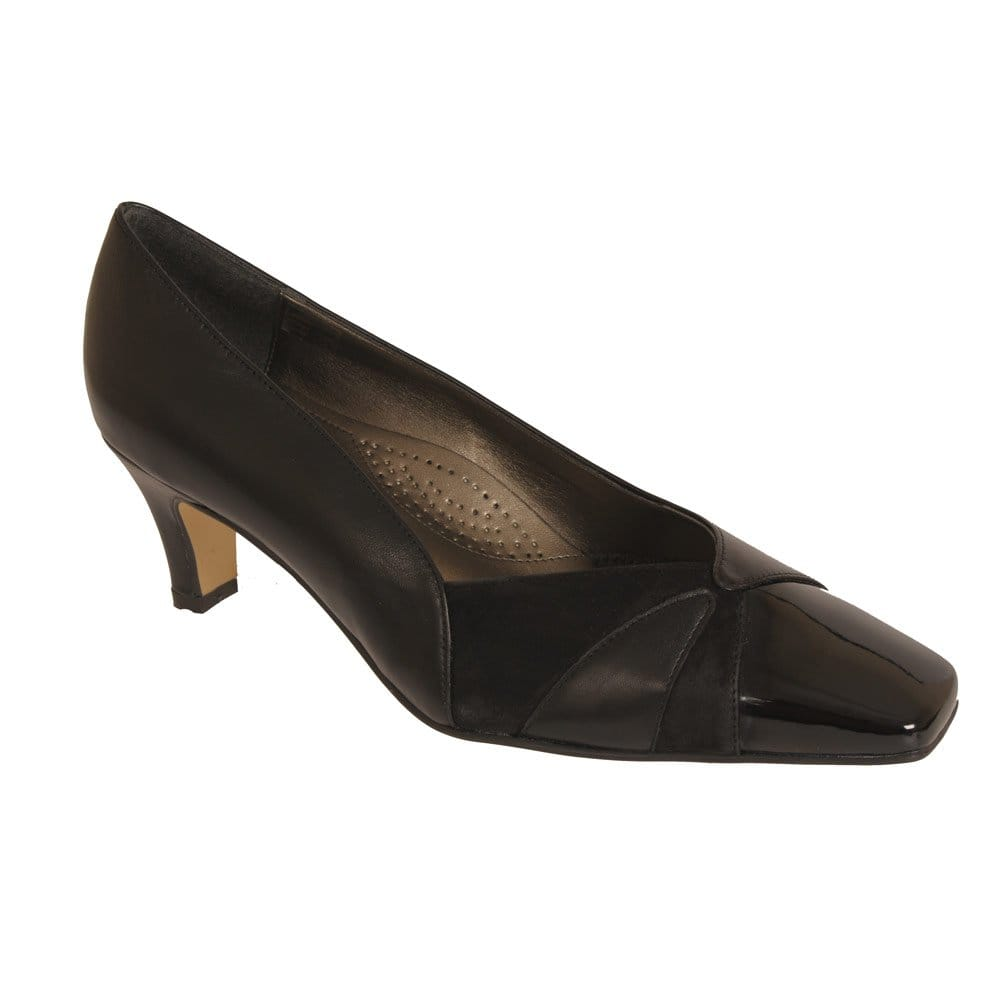 dal garland wide fitting court shoe dal