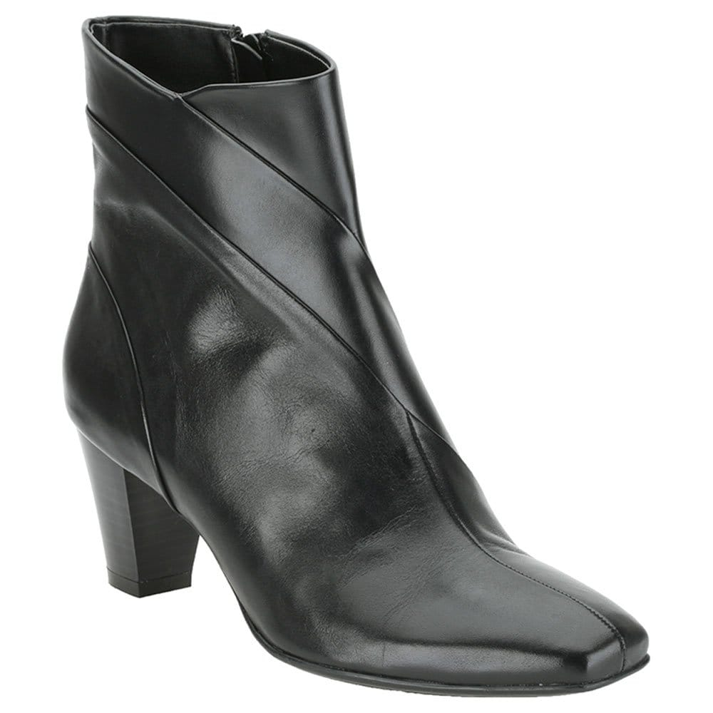 clarks limpet rock black leather ankle boots