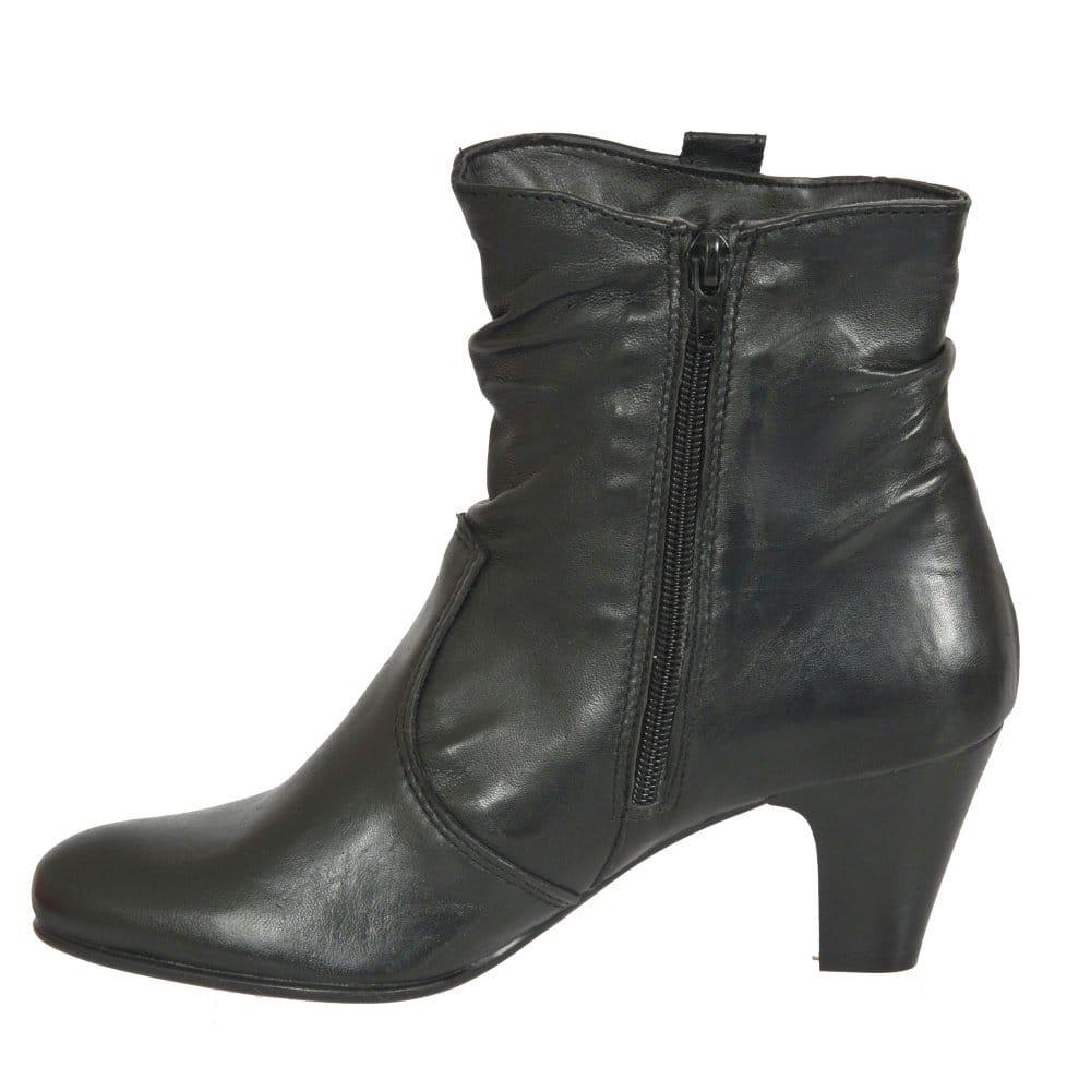 tamaris trim ladies black leather ankle boots tamaris. Black Bedroom Furniture Sets. Home Design Ideas