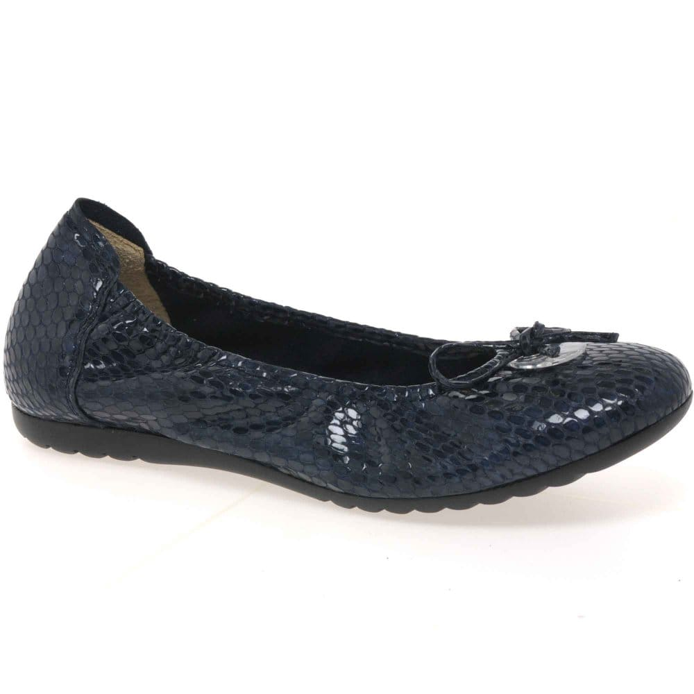 sabrinas snake womens slip on casual shoes charles clinkard