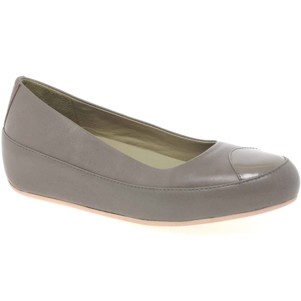 fitflop due leather womens casual shoes fitflop from