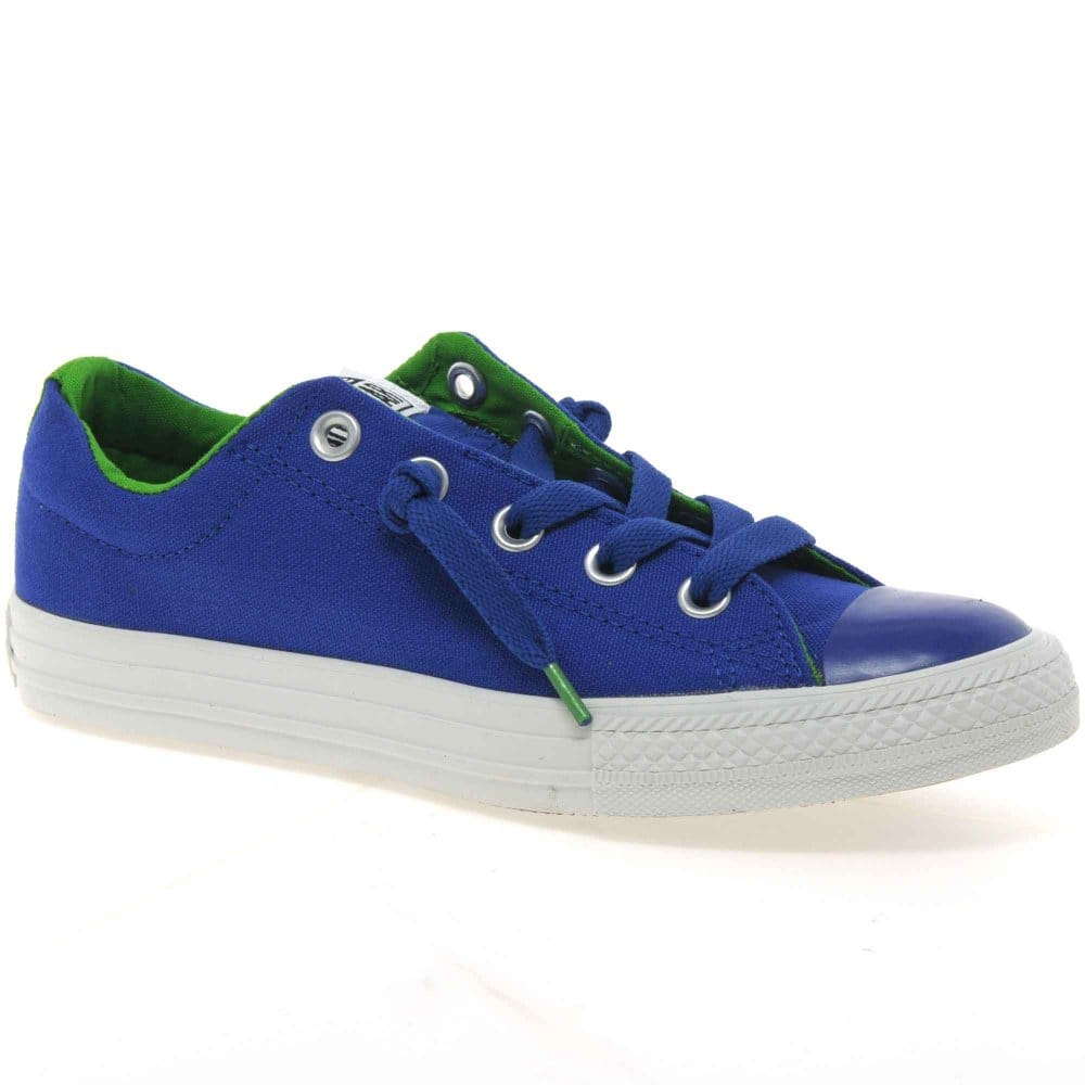Find Boys Canvas Shoes online or in store. Shop Top Brands and the latest styles of Canvas Shoes at Famous Footwear.