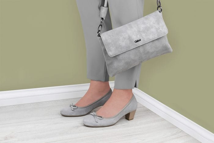 238384e486de6f How to make your high heels more comfortable to walk in