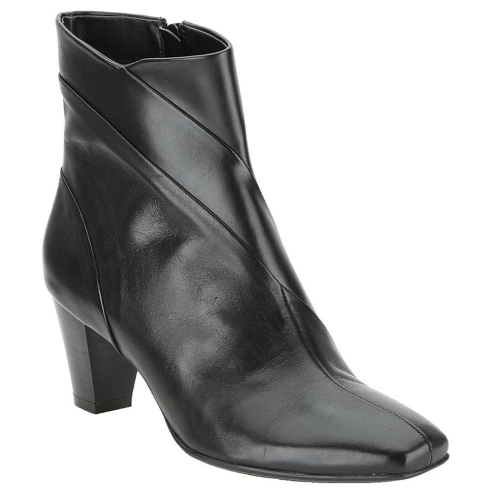 clarks low cut boots