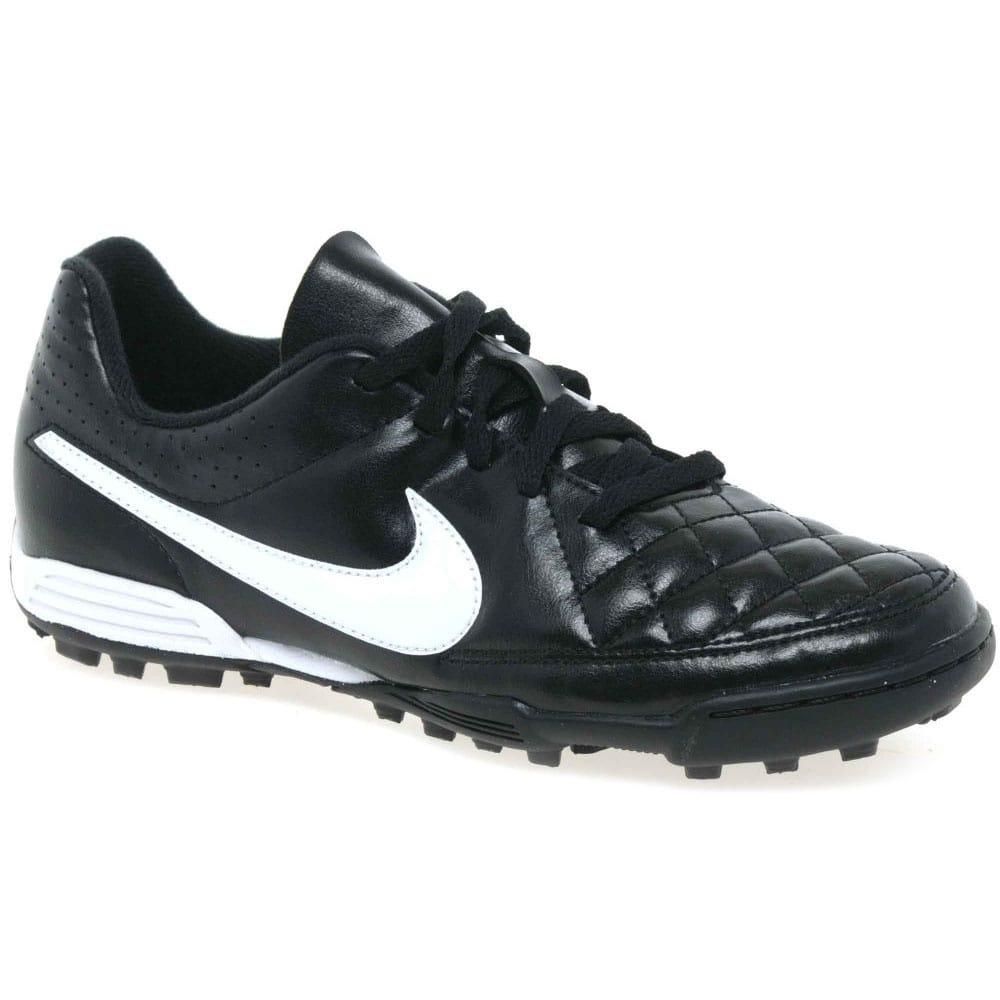 superficial conductor diluido  Nike Tiempo Rio Astro Junior Boys' Football Boots | Charles Clinkard