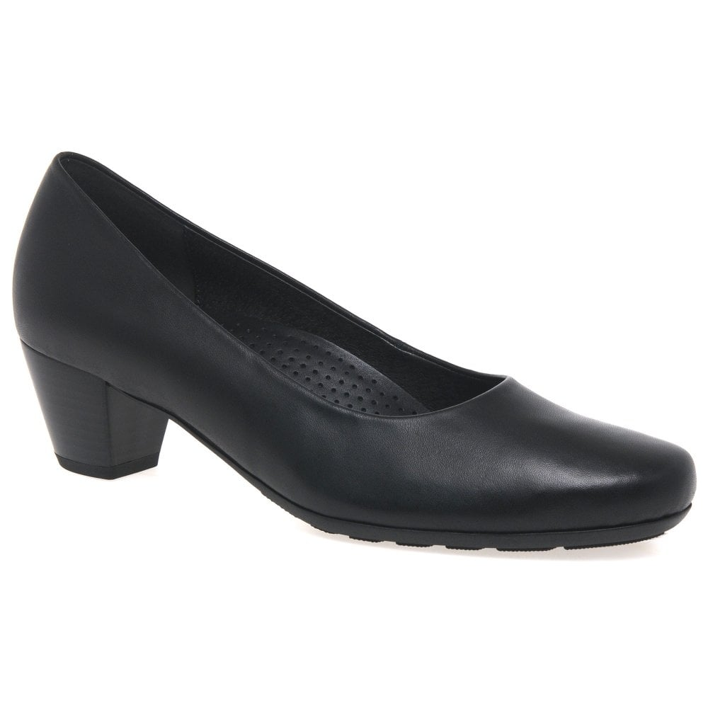 Women's Court Shoes The court shoe is a style staple that will see you through season on season and take you seamlessly from the office to the party. Be it a classic or more contemporary shape, it's a versatile style we can't live without.