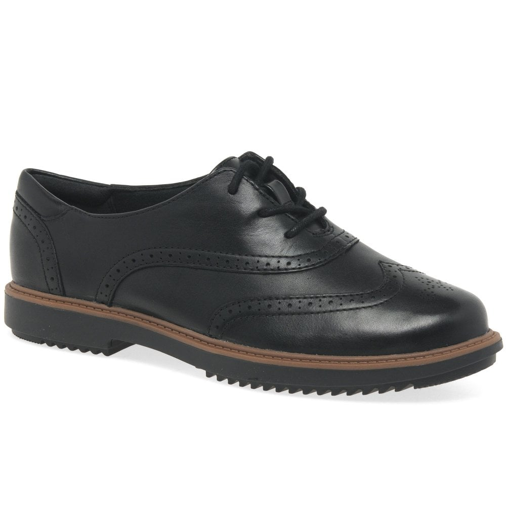 Picante No lo hagas Parcial  Clarks Raisie Hilde Womens Leather Lace Up Brogues | Charles Clinkard