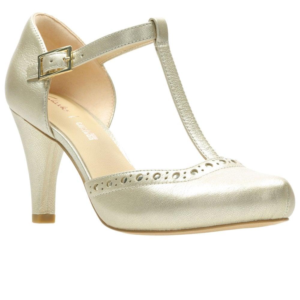 Típicamente fuente articulo  Clarks Dalia Leah Womens T-Bar Shoes - Women from Charles Clinkard UK