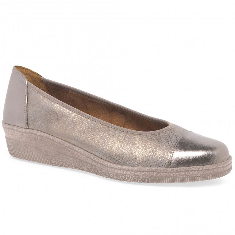 Gabor Petunia Womens Patent Accent Low Heeled Pumps