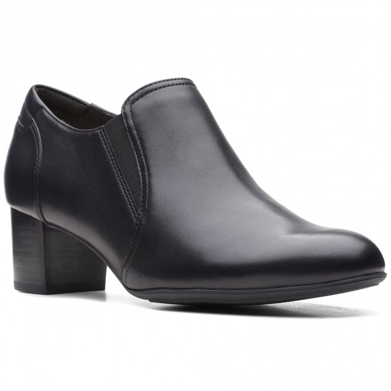 Clarks Linnae Way Womens Wide Fit High Cut Court Shoes